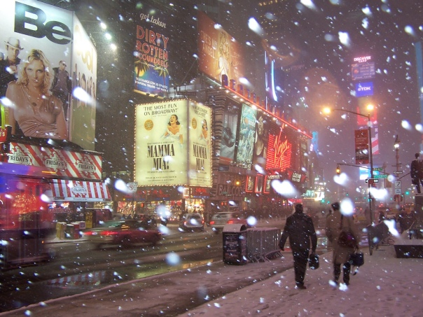 Schnee am Times Square New York, USA